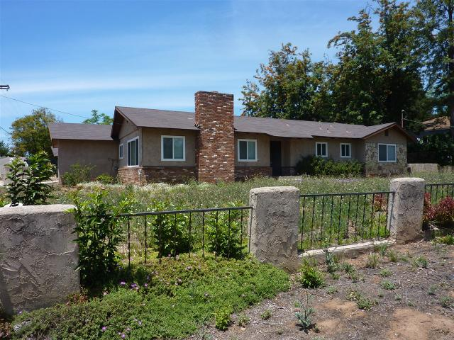 8202 Melrose Ln, El Cajon, CA 92021