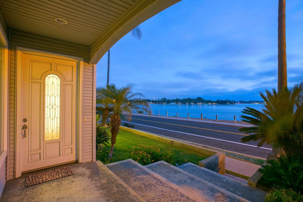 3409 Riviera Drive, San Diego, CA 92109