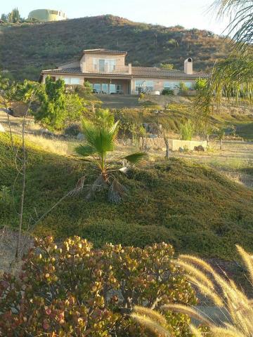 1466 Burris Dr, El Cajon, CA 92019