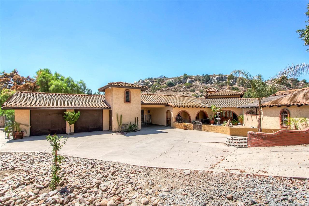 2375 La Cresta, El Cajon, CA 92021