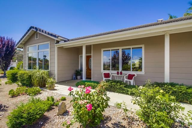 17111 Rancho Suenos Rd, Ramona, CA 92065