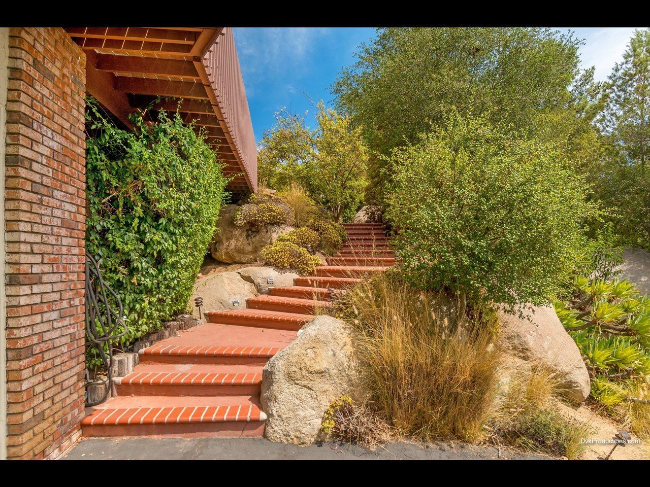 28322 Meadow Glen, Escondido, CA 92026