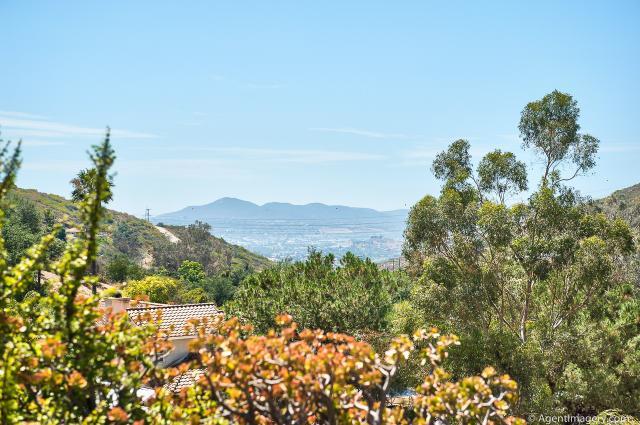 3015 La Cresta, El Cajon, CA 92021