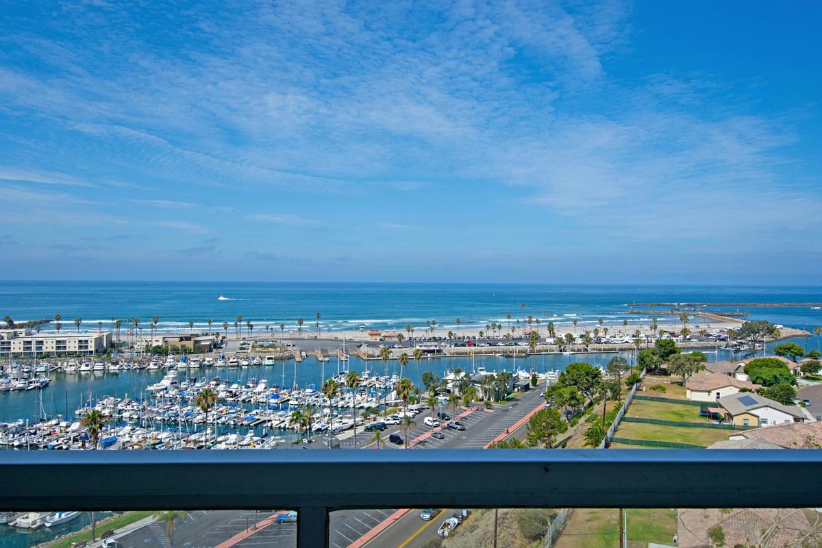 1200 Harbor Drive #12D, Oceanside, CA 92054