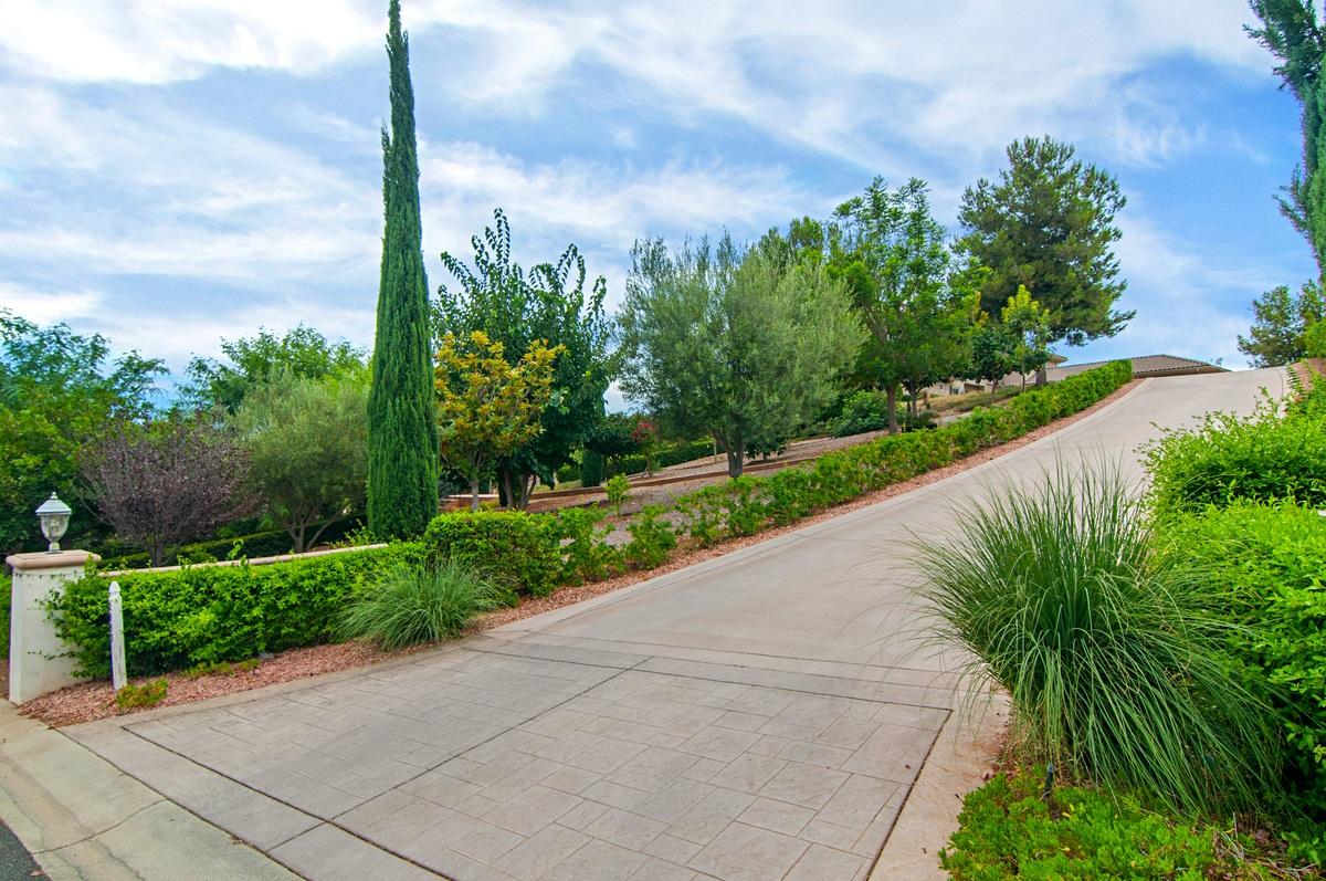2053 Zlatibor Ranch, Escondido, CA 92025