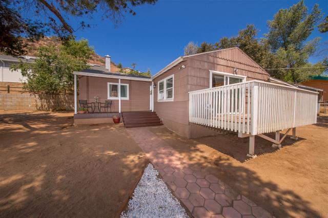 965 Harbison Canyon Rd, El Cajon, CA 92019