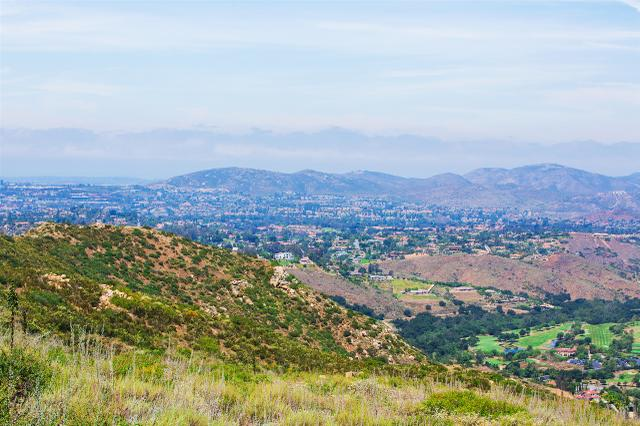 18055 Sunset Point Rd #4, Poway, CA 92064