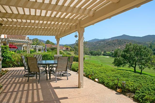29150 Laurel Valley Dr, Vista, CA 92084