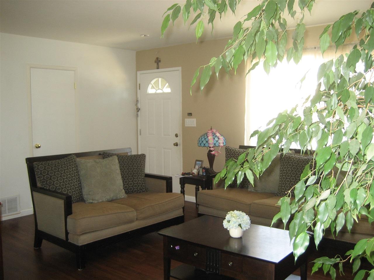 1085 Erica Street, Escondido, CA 92027