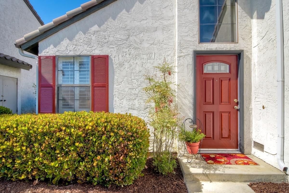 1804 Cottonwood Avenue, Carlsbad, CA 92011