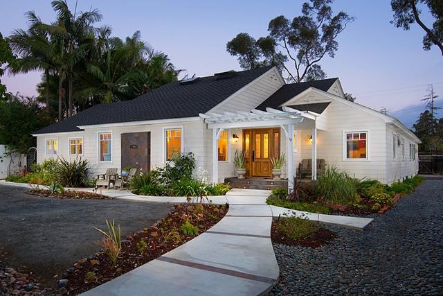 3705 Warner, San Diego, CA 92106