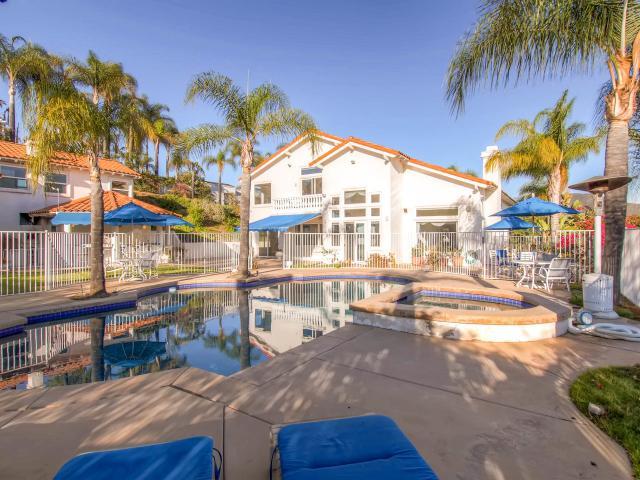 1501 Maxwell Ln, Vista, CA 92084