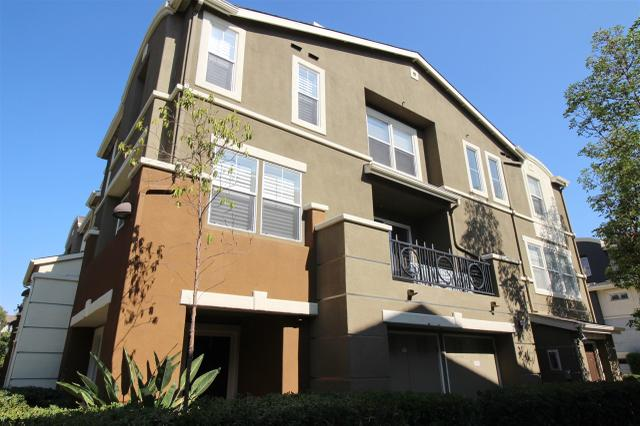 8754 Plaza Park Ln, San Diego, CA 92123