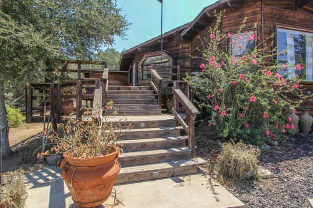 12404 Calle De Halcones, Valley Center, CA 92082