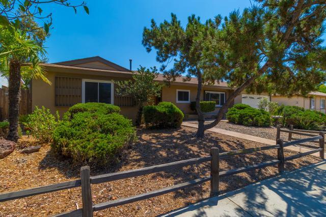 8655 Carlton Oaks Dr, Santee, CA 92071