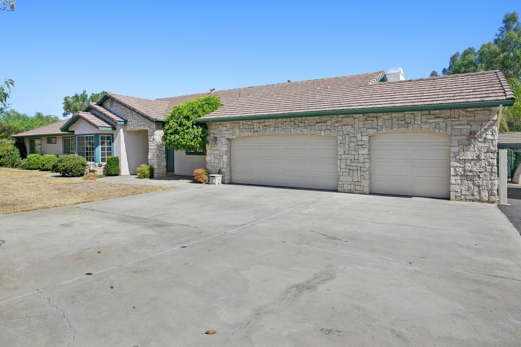 18644 Los Hermanos Ranch Road, Valley Center, CA 92082
