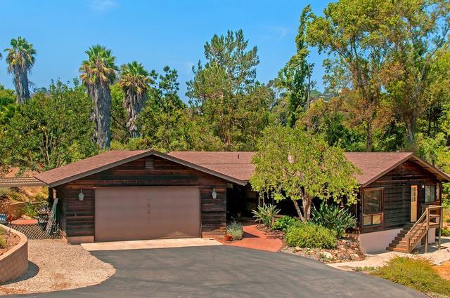 10650 Olvera Rd, Spring Valley, CA 91977