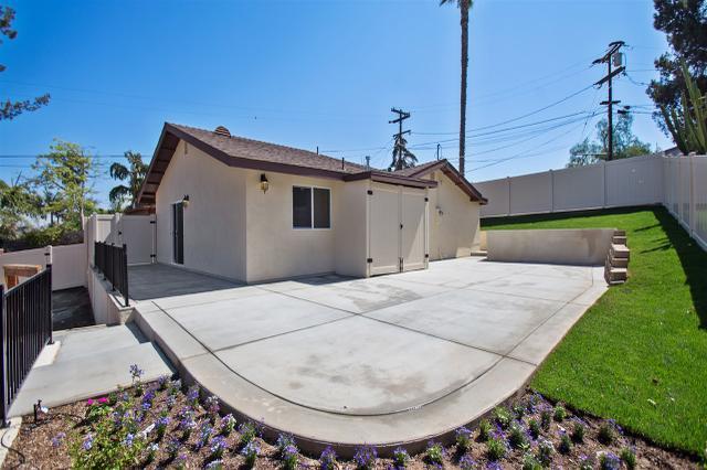 211 Valley View Pl, Vista, CA 92083