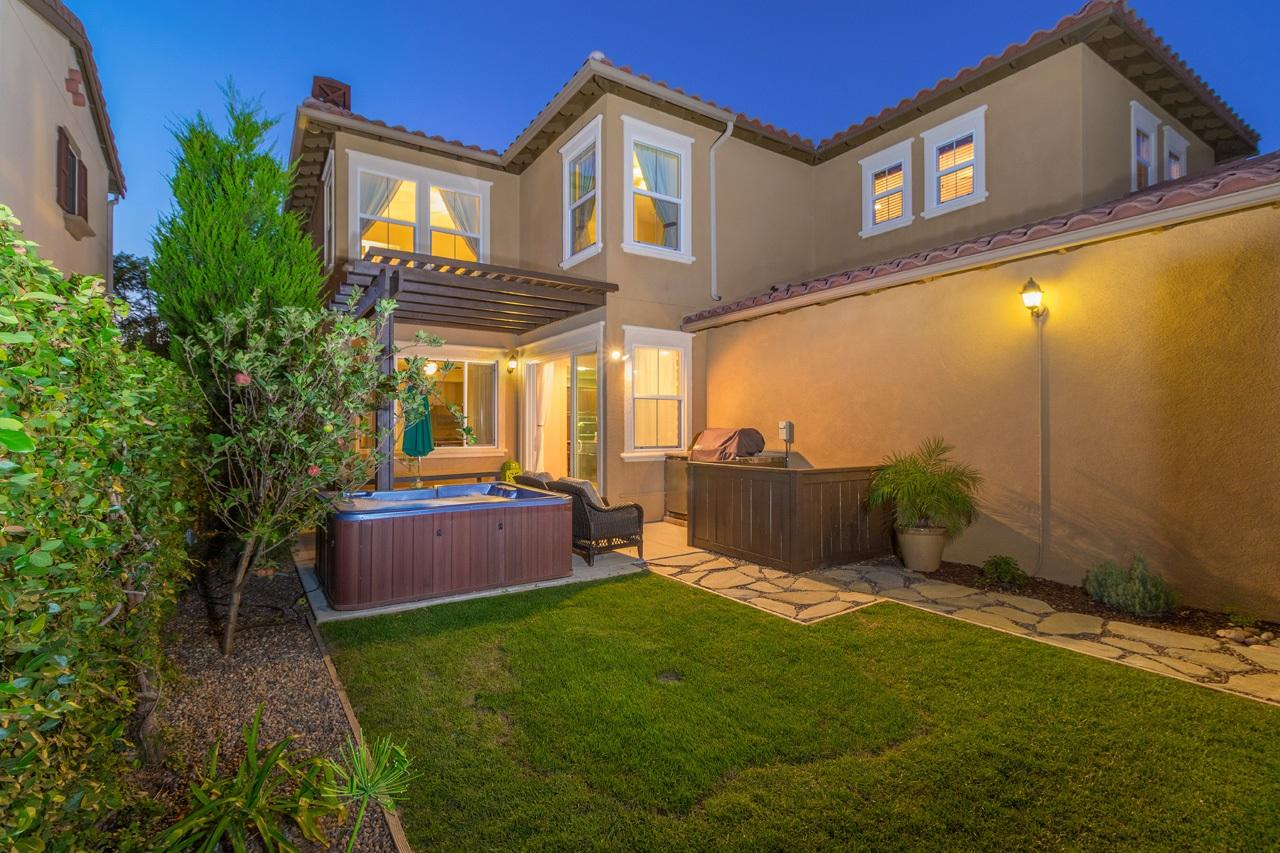 15529 Bristol Ridge Terrace, San Diego, CA 92127
