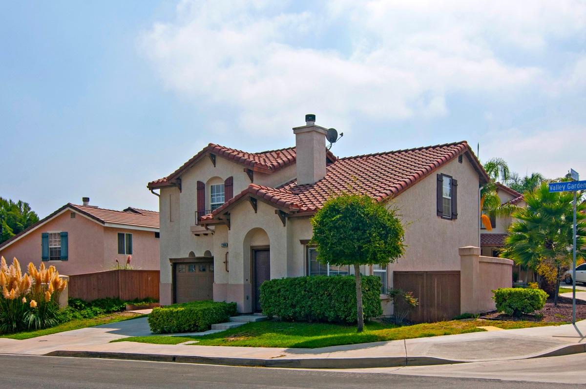 2388 Valley Gardens Dr, Chula Vista, CA 91915