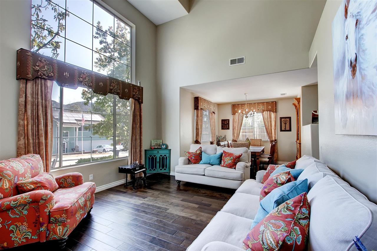 2127 Vintage Place, Escondido, CA 92027