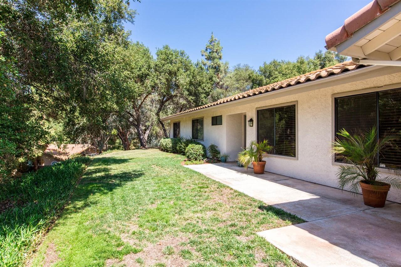 818 Brook Canyon, Escondido, CA 92025