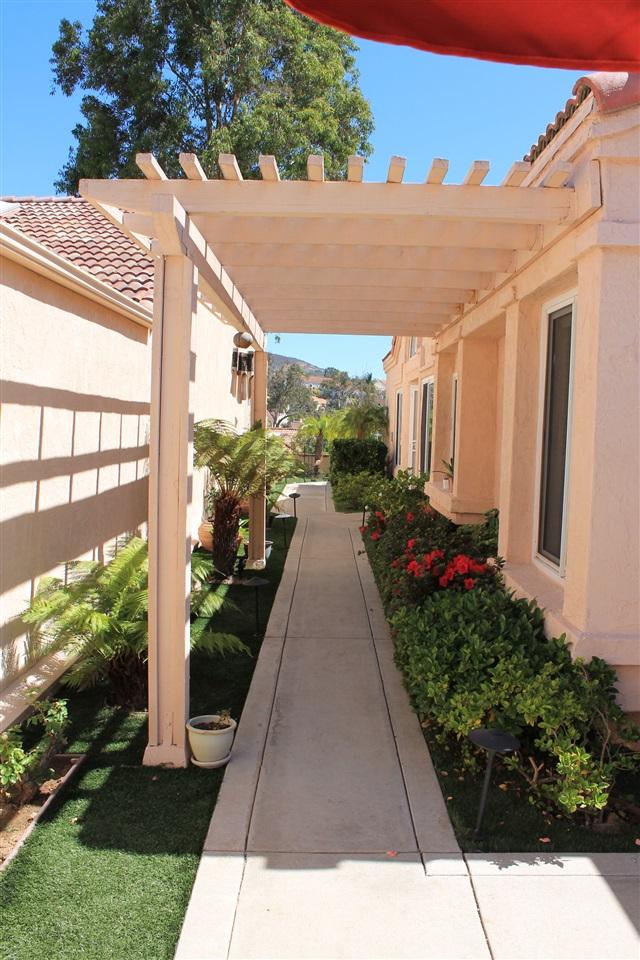 1527 Camino Linda Drive, San Marcos, CA 92078