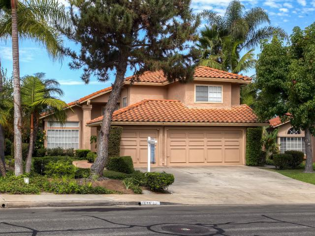 1655 Countryside Dr, Vista, CA 92081