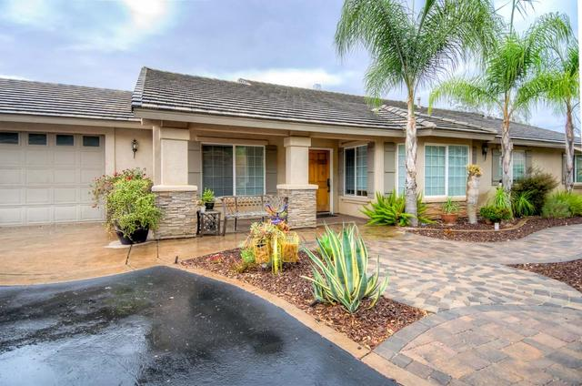 15656 Ziga Dr, Valley Center, CA 92082