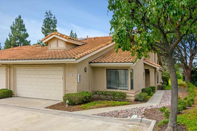 15748 Via Calanova, San Diego, CA 92128