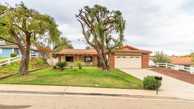918 La Rue Ave, Fallbrook, CA 92028