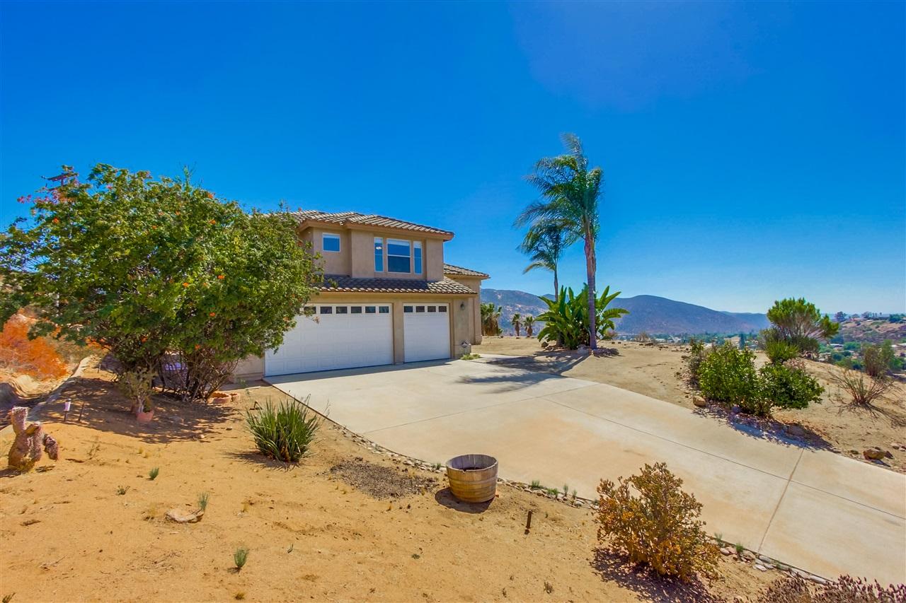15844 Broad Oaks, El Cajon, CA 92021