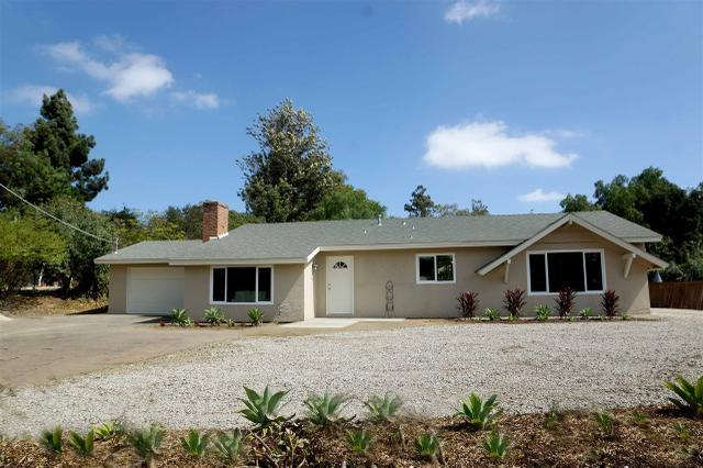 2642 Foothill Dr, Vista, CA 92084