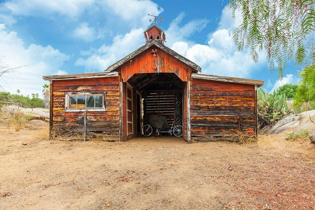 1900 Winrow Road, El Cajon, CA 92021