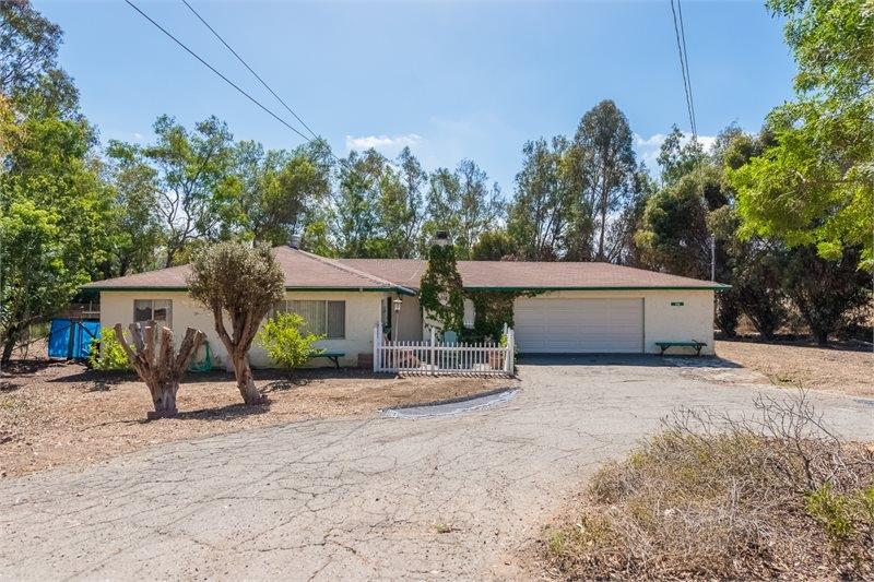 1318 Ridge Road, Vista, CA 92081