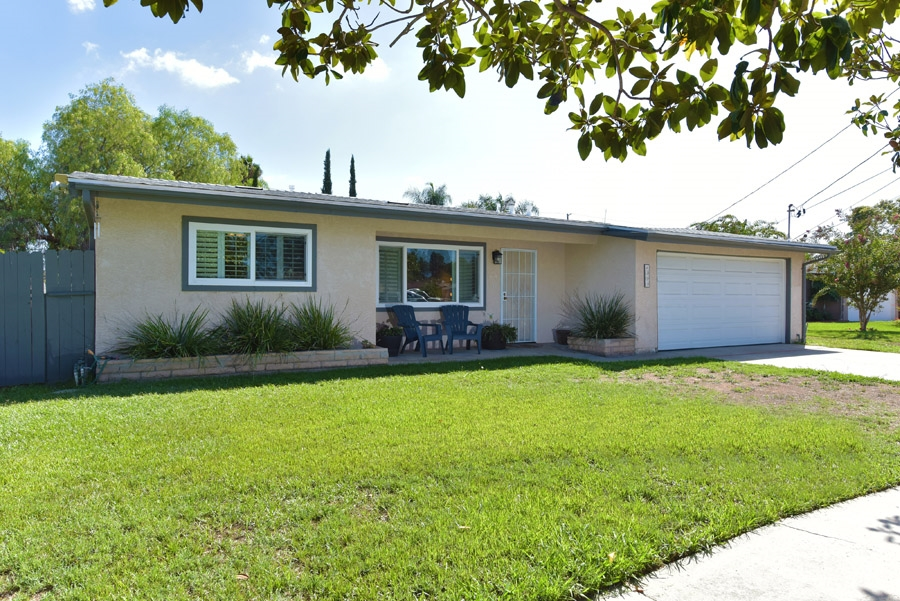 313 Hemlock Avenue, Escondido, CA 92026