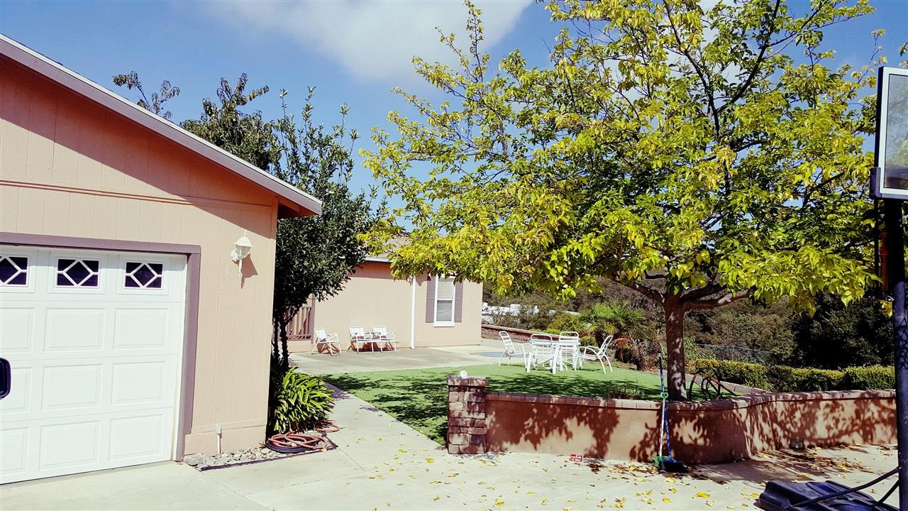 26808 Kiavo Drive, Valley Center, CA 92082