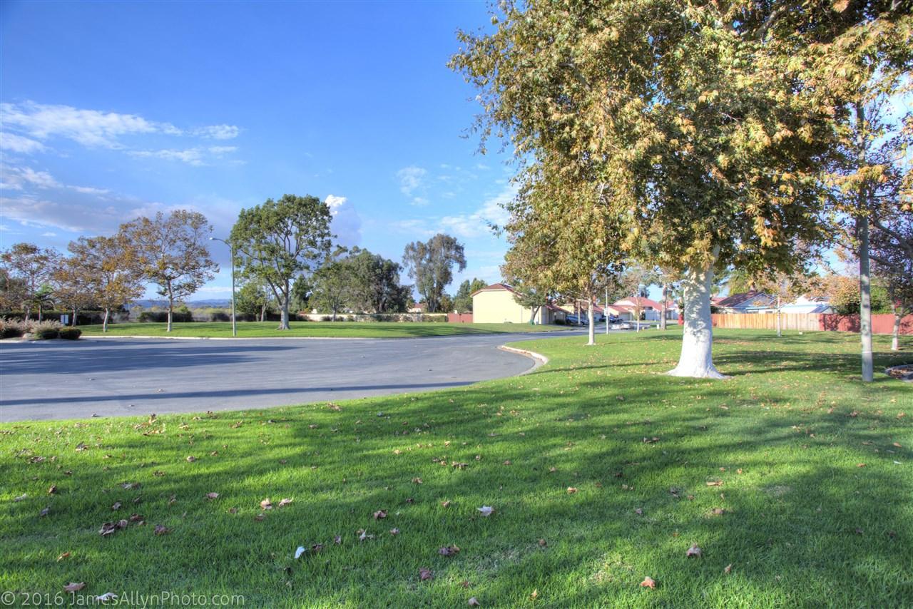 255 Hyacinth Way, Oceanside, CA 92057