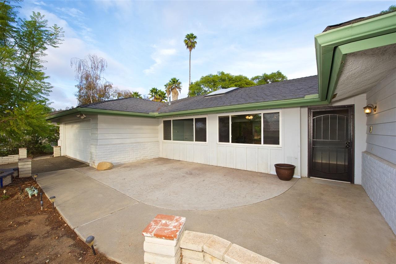 1245 Alessandro Lane, Vista, CA 92084