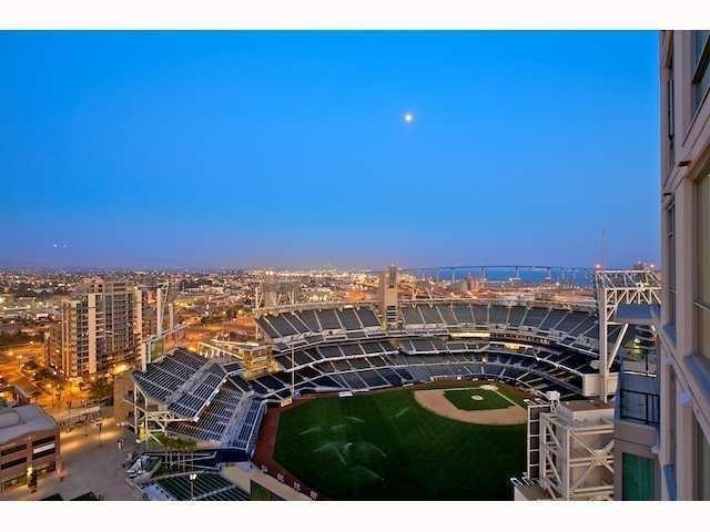 325 7th Ave #1105, San Diego, CA 92101