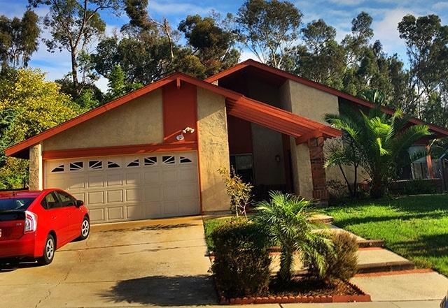 905 Poppy Ln, Carlsbad, CA 92011