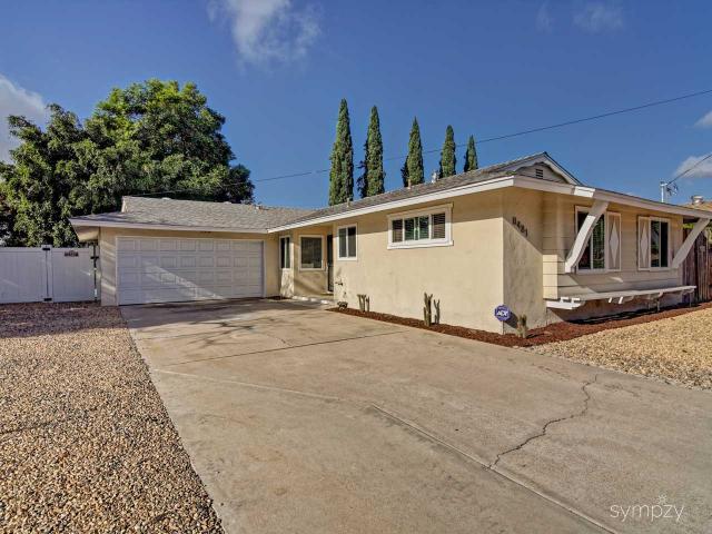 8481 Beaver Lake Dr, San Diego, CA 92119