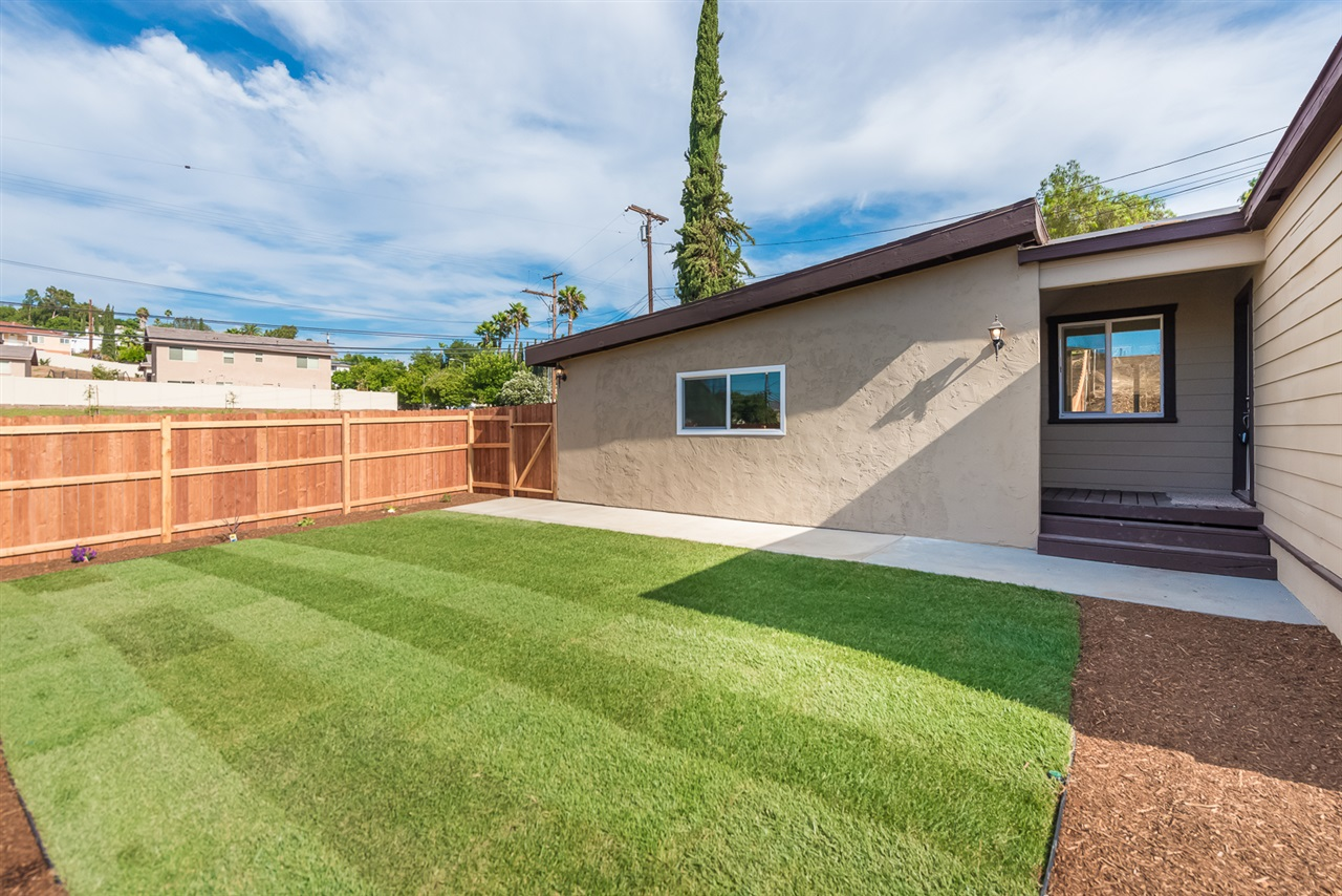 8706 Winter Gardens Boulevard, Lakeside, CA 92040
