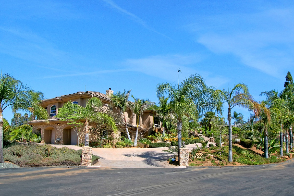 3139 Crystal Ct, Escondido, CA 92025
