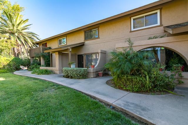 8127 Calle Fanita, Santee, CA 92071