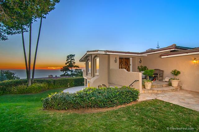 6130 Terryhill Dr, La Jolla, CA 92037