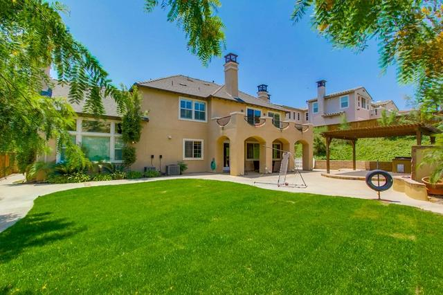 2957 Ranch Gate Rd, Chula Vista, CA 91914