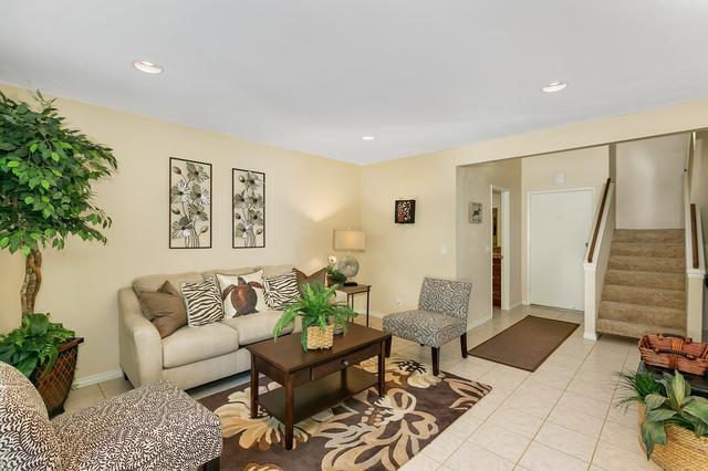 351 Countrywood Ln, Encinitas, CA 92024
