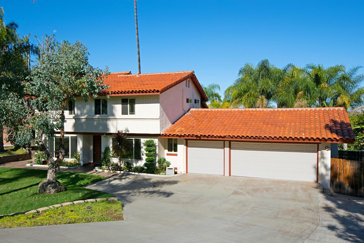 1076 Cima Drive, San Marcos, CA 92078