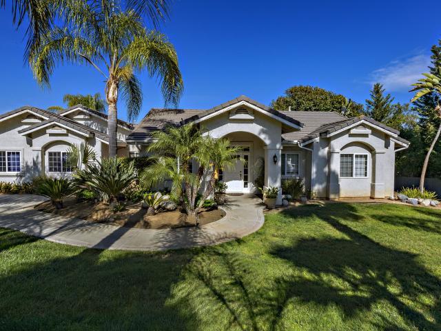 1050 El Caminito Rd, Fallbrook, CA 92028